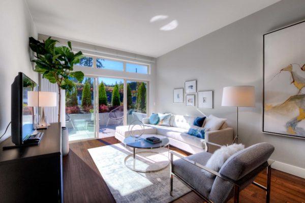 50 Pine Street Living Room