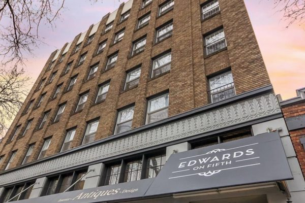 Edwards on 5th Apartments Exterior
