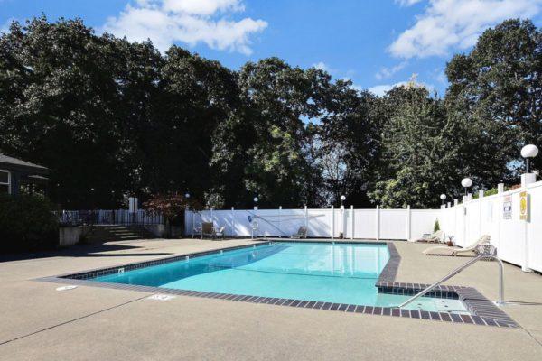 Miramonte Apartments Pool