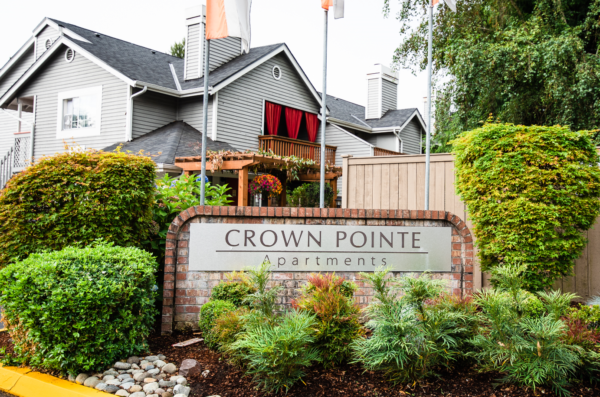 Crown Pointe Apartments Signage