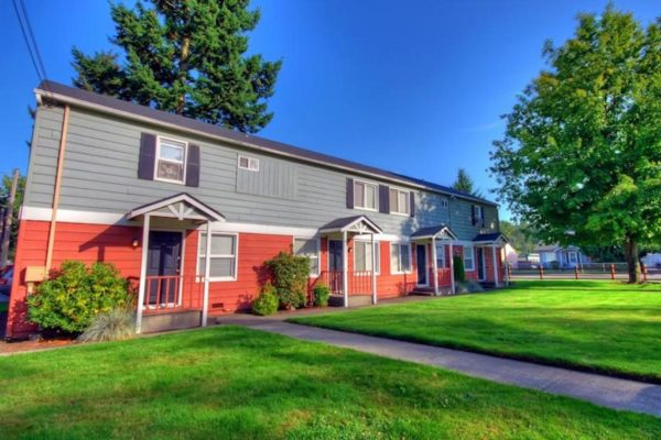 Pacific Walk Apartments Grounds