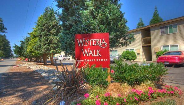 Wisteria Walk Signage