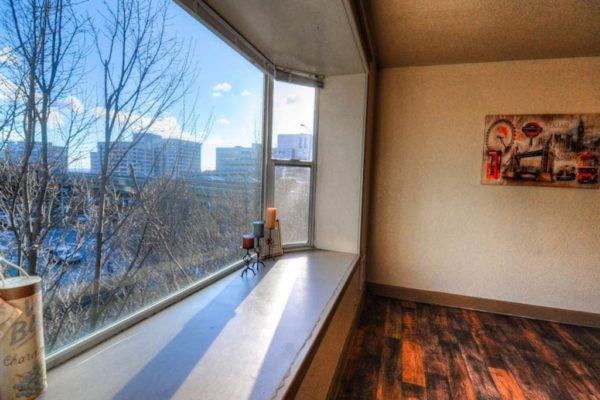 Zindorf Apartments Bay Window