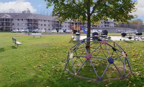 Wellington Ridge Apartments Playground
