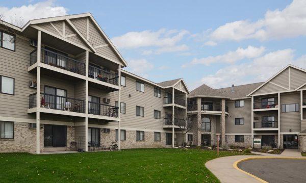 Wellington Ridge Apartments Exterior